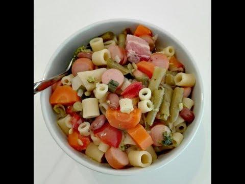 Minestrone (Gemüsesuppe mit Nudeln) Rezept in der Beschreibung
