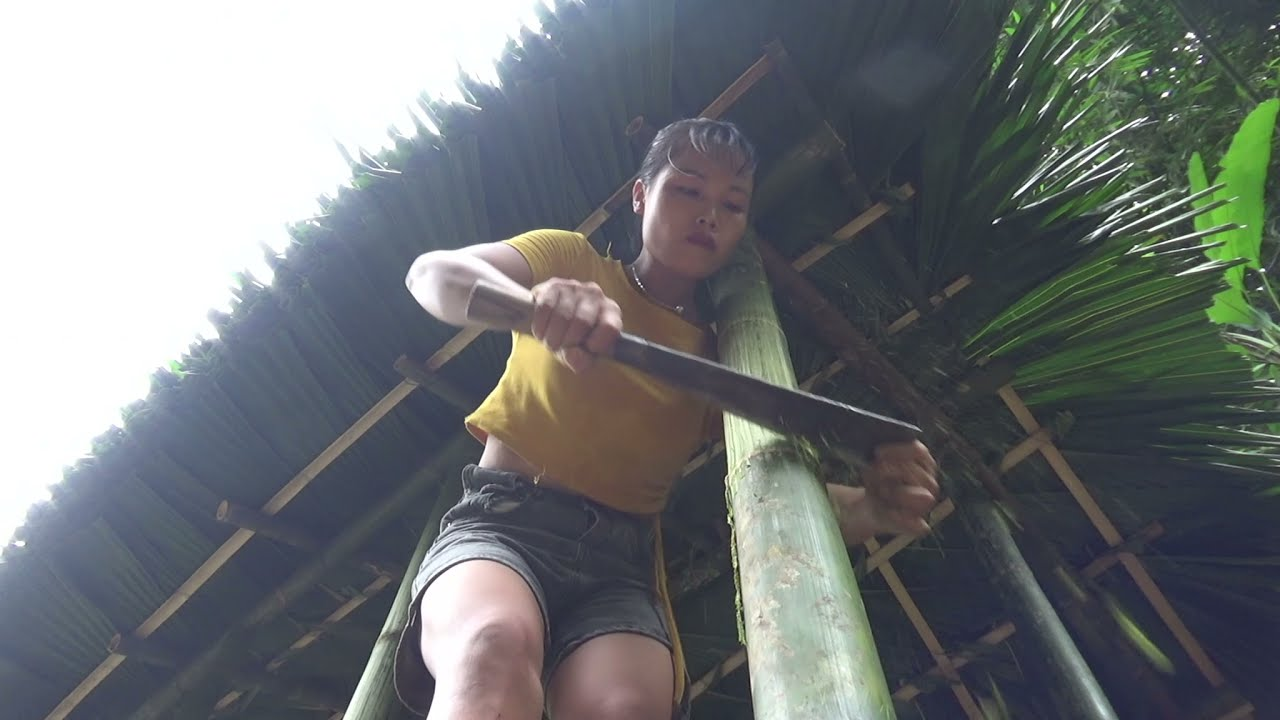 LIVING OFF GRID, Wild Alone, How To Build Bamboo House In Forest With Girl, Solo Bushcraft & Camping