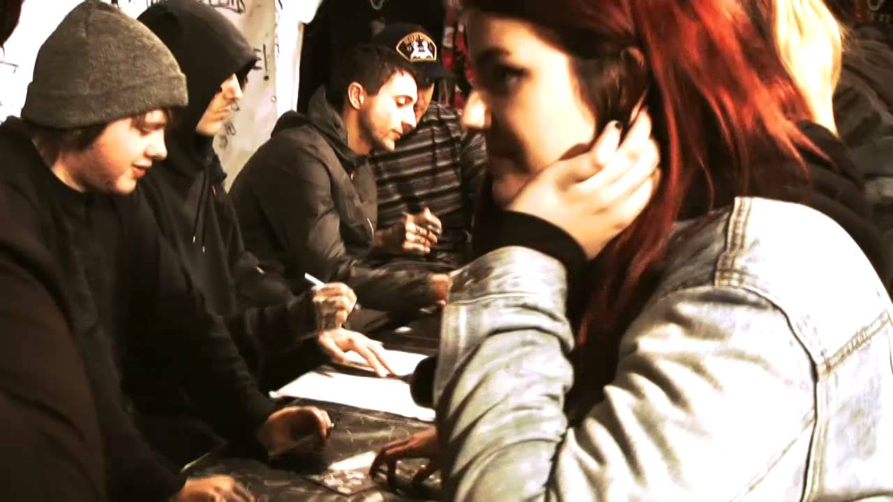 Bring Me The Horizon Meet And Greet At Rattlesnake Vienna 2015 Youtube