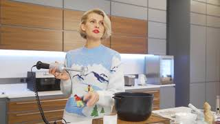 Полина Киценко готовит тыквенный суп
