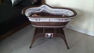 Remote Controlled Rocking Baby Crib/cot/bassinet
