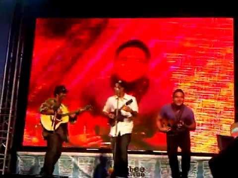 (Coldplay) Viva La Vida by Aldrine G., Chris S. and Kalei G. at Thailand Ukulele Festival 2012