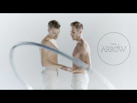 Orlando aukoms atminti: Gay Acrobats Create Stunning Visual Art