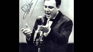 "Claudio Villa Sings ""Marechiare"""