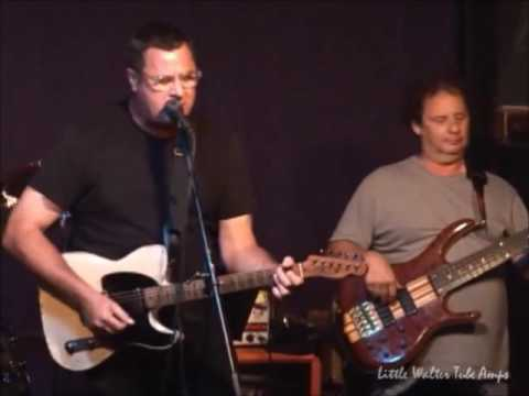 Vince Gill playing 22 at Little Walter Tube Amps 2013 Endorsee Jam