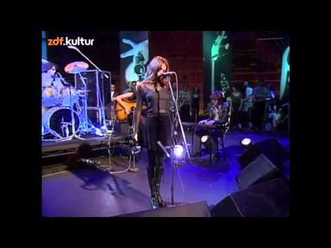 Mazzy Star - Fade into you & Blue Flower (live @ Later with Jools)