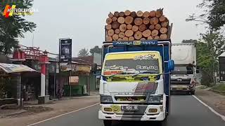 Download Truk oleng muat kayu sengon balap mania