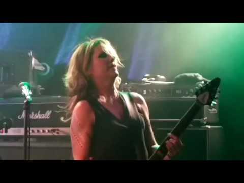 L7 Live in Adelaide Australia - Freak Magnet 2016