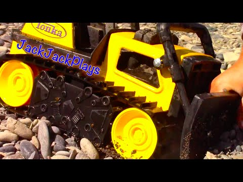 Construction Trucks for Kids - Beach Playtime - JackJackPlays Tahoe Vacation 6 - Tonka Bulldozer