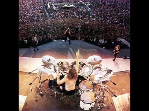 Kiss Wallpaper Hd Drum Battle Lars Ulrich Metallica Vs Peter Criss Kiss