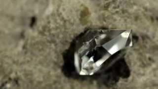 Diament Herkimer w skale macierzystej