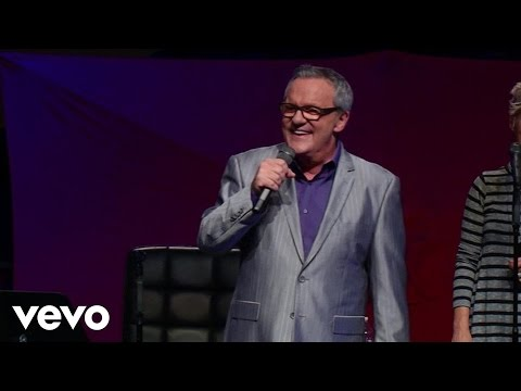 Mark Lowry - Jesus Laughing (Live) ft. The Martins