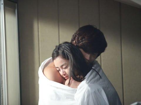 Những pha tình cảm nóng bỏng của ngọc nữ Hàn Quốc