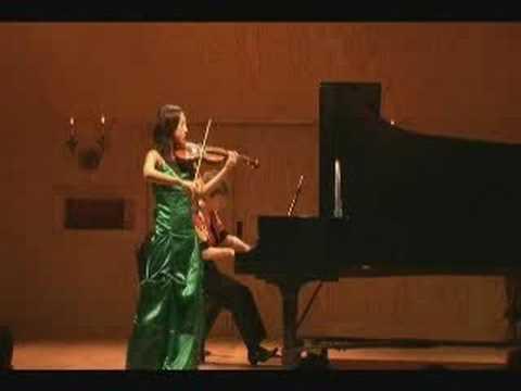Violinist Hyunjoo Choo performs Ravel Tzigane