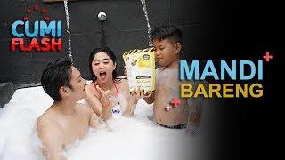 Download Video Wow! Intip Dewi Perssik Mandi Bareng Suami - CumiFlash 05 Januari 2018 MP3 3GP MP4
