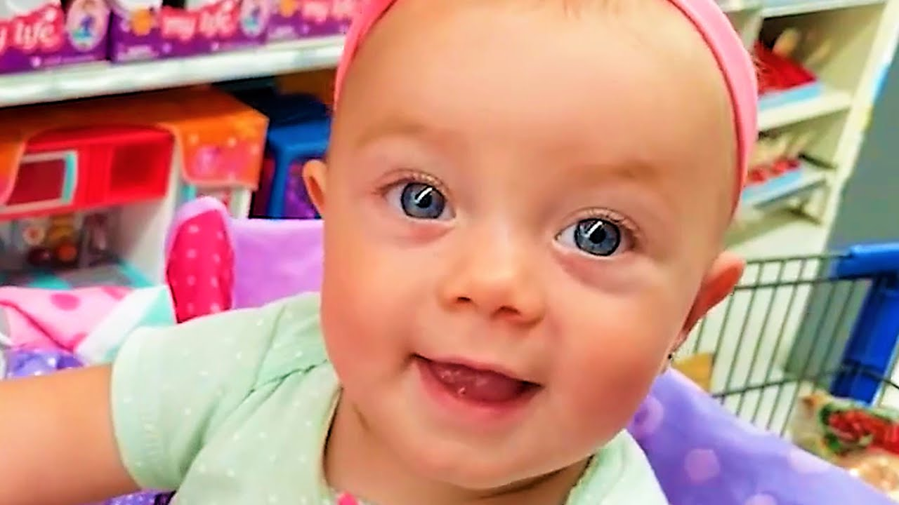 Funny Baby Precious Moments With Family [Cute Babies]