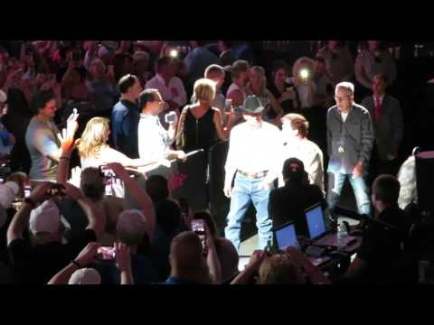George Strait - Entrance & Here For a Good Time/2017/Las Vegas, NV/T-Mobile Arena