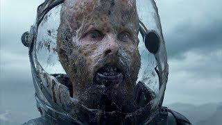 """Инфицированный геолог Шон Файфилд нападает на команду - """"Прометей"""" отрывок из фильма"""