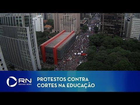 Protestos contra cortes na Educação ocupam o país