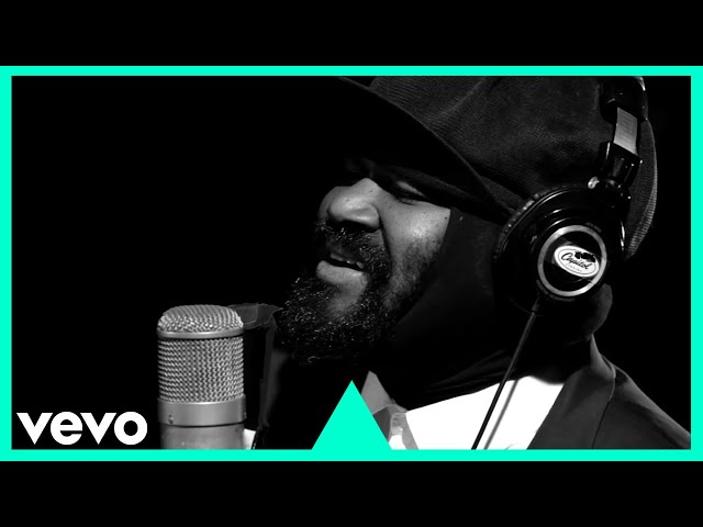 Gregory Porter – Holding On (1 mic 1 take)