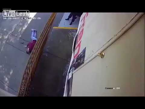 LiveLeak!! Mexico police shoot and kill a criminal with a