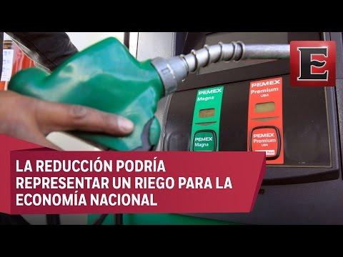 Se deben o no reducir los impuestos a la gasolina