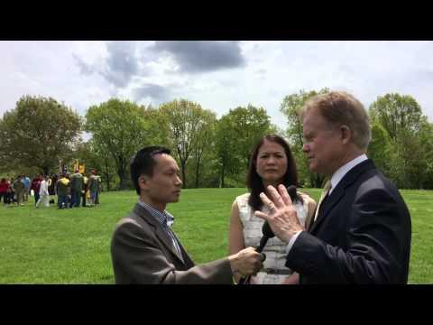 Cựu Thượng Nghị sỹ Jim Webb và phu nhân trả lời phỏng vấn BBC - video có phụ đề tiếng Việt