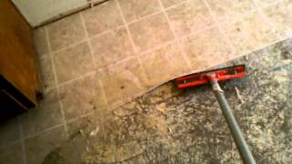 Best way to remove linoleum flooring, (Concrete)