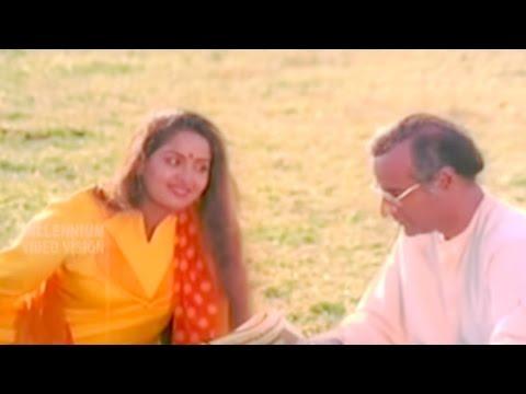 Malayalam Evergreen Song  Vellaaram Kunninmele  Revathikkoru Pavakkutty  Bharath Gopi & Radha