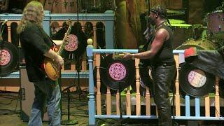 """Pressure Drop"" (Live) - Gov't Mule ft. Toots Hibbert (Dub Side of the Mule)"