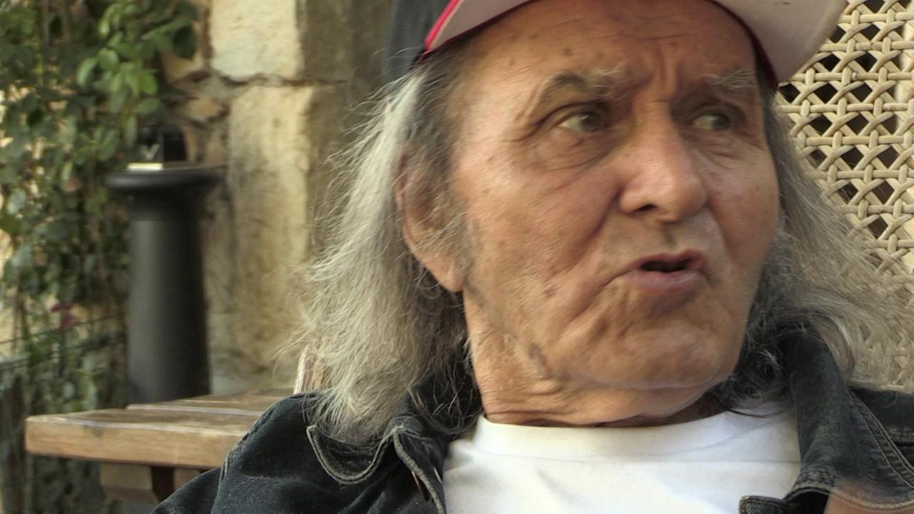 """Lederjacke und Stola: Der """"Rockerpriester"""" Guy Gilbert"""