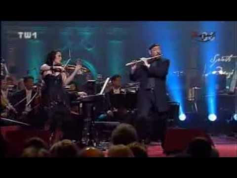 "Ian Anderson & Lucia Micarelli - Mo'z Art Medley  ""Spirits of Mozart."" part1"