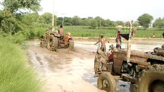 Tractor funny clip in irrigated land amazing HD,water problem,pakistani,