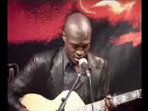Lynden David Hall - Forgive me / Livin' the Lie / Sexy Cinderella LIVE at West End Club, London 2003