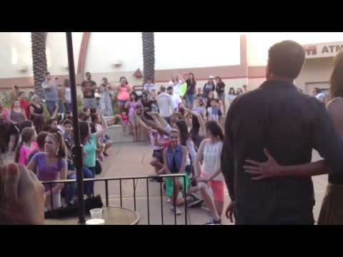 Flash Mob - Marry You by Bruno Mars