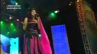 Gambar cover Musik Asik Erie Susan   Jangan Dekati Aku   22 11 2008 Live@Surabaya