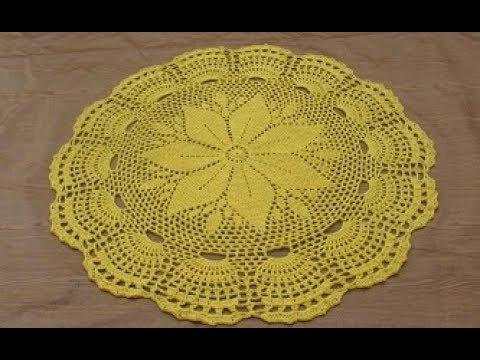Tapete em Crochê Redondo Flor Amarela