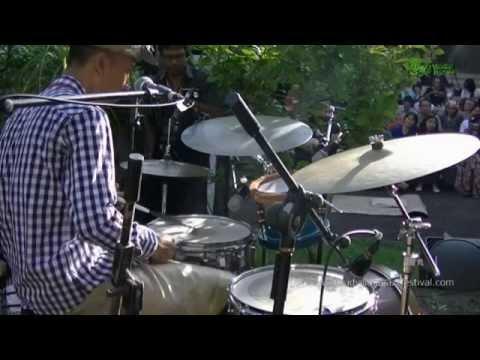 "Bali Jazz Ethnic Gustu Brahmanta Trio ""Curik Curik"" Ubud Village Jazz Festival 2014."
