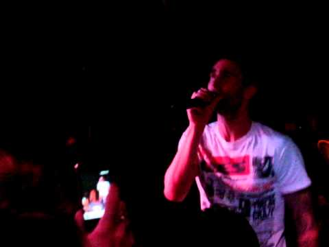 Maroon 5's Adam Levine Singing Karaoke @ The Shelbourne Hotel in Miami.MPG