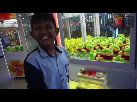 Main Mesin Capit Boneka | Claw Machine