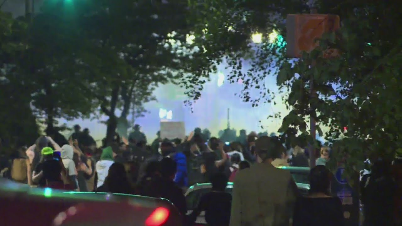 State of emergency, curfew declared in Portland; protesters start fire ...