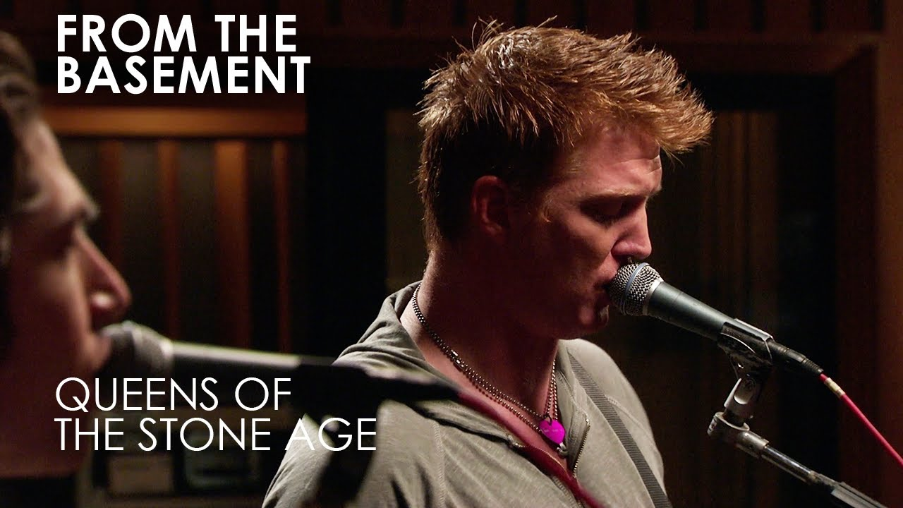 "Queens Of The Stone Age: ""From The Basement"" libera performance de ..."