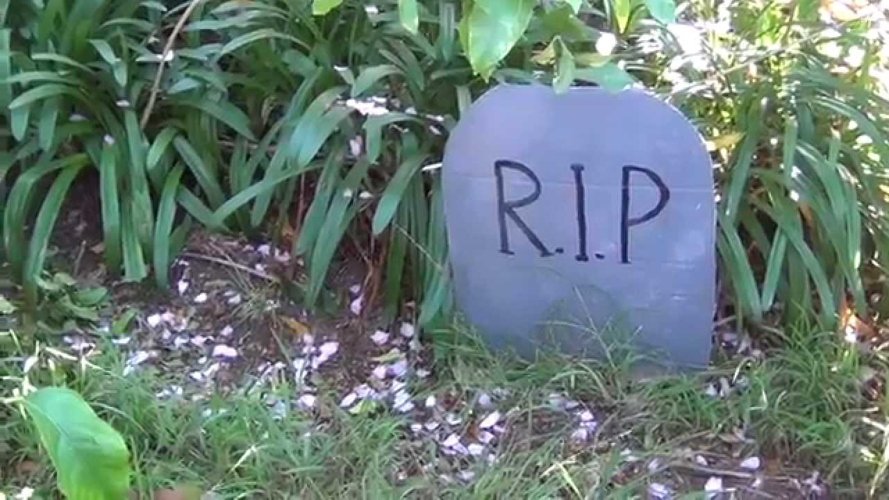 how to make a fake halloween tombstone - youtube