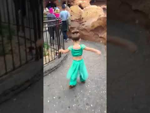 Little sister dancing in her heart