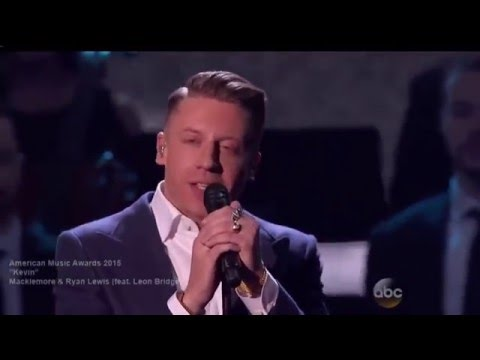 Macklemore performs 'Kevin' feat Leon Bridges at the AMAs