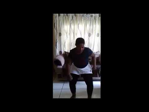Khwezi- best dance to tipcee ft busiswa &distruction boys (MUST WATCH)