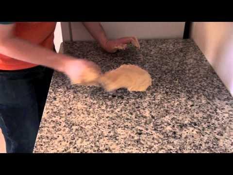 King cake (Roscón de Reyes) – Recipes from Spain
