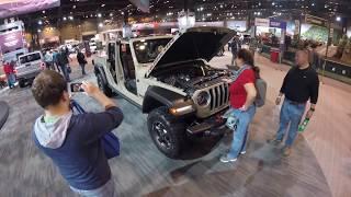 Jeep Gladiator Walk-Around at Auto Show : Interior and Exterior