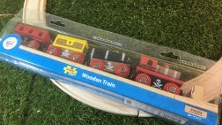unpack Bigjigs BJT473 Pirate Train (03880)