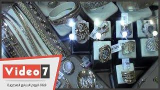 """أسعار الذهب بالأسواق المصرية.. وتاجر: """"الجرام هينزل تانى لنص التَمَن"""""""